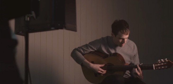 Video premiere: Charlie Cunningham's 'Breather'